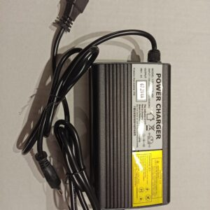 60v 4a pikalaturi IEC14 liittimellä