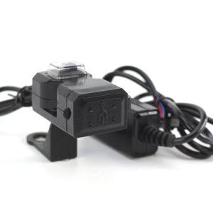 Vesitiivis USB laturi ohjaustankoon